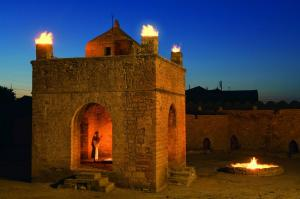 Excursion To The Temple Of Fire Worshippers - Ateshgah And The Fiery Mountain Yanardagh Tour Packages